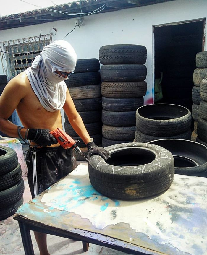 A love of recycling and crafting had already armed Silva with the knowledge and know-how to transform the tyres.