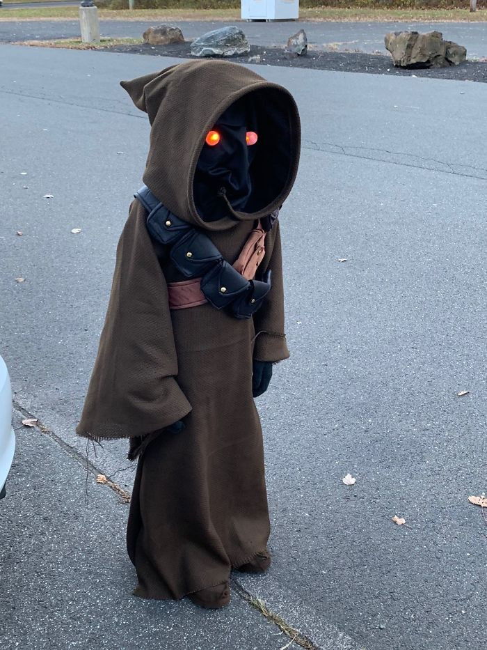 #43 I Figured Out How To Use A Sewing Machine And Made My Son A Jawa Costume