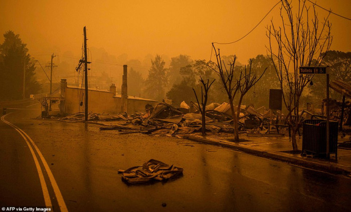 Frightening photos show the destroyed town