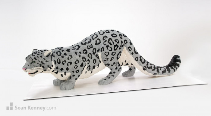 9. The talented artist creates life-size (or larger-than-life pieces) animal sculptures to honour the Earth's species and deliver awareness about endangered species.