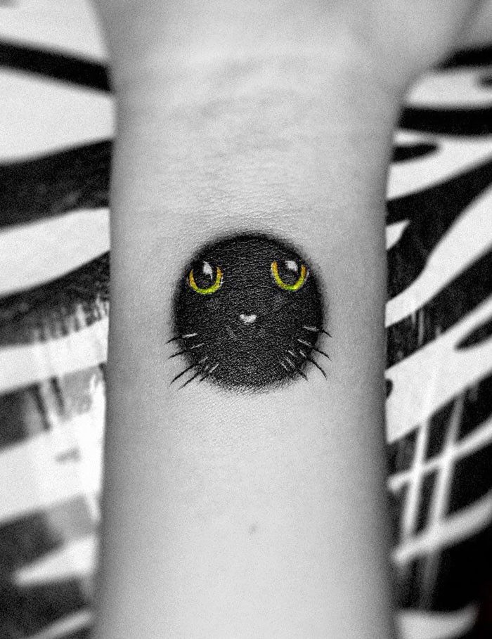 17. Sometimes you just have to appreciate a little cat tat.