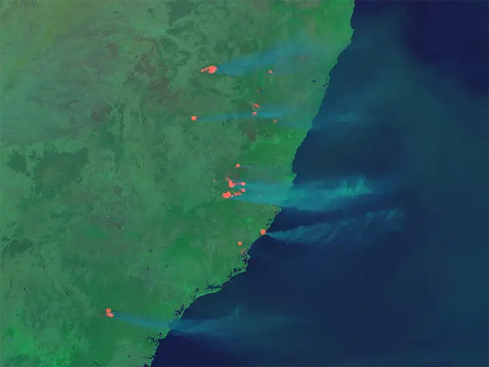 And this is a near infrared perspective of eastern Australian hotspots of bushfires on November 7