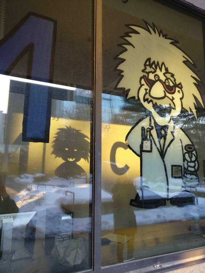 #21 Einstein vs Chucky
