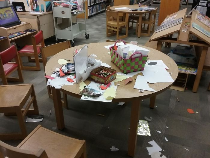 #25 Parents Who Raise Their Kids Saying It's Okay To Leave A Library Like This