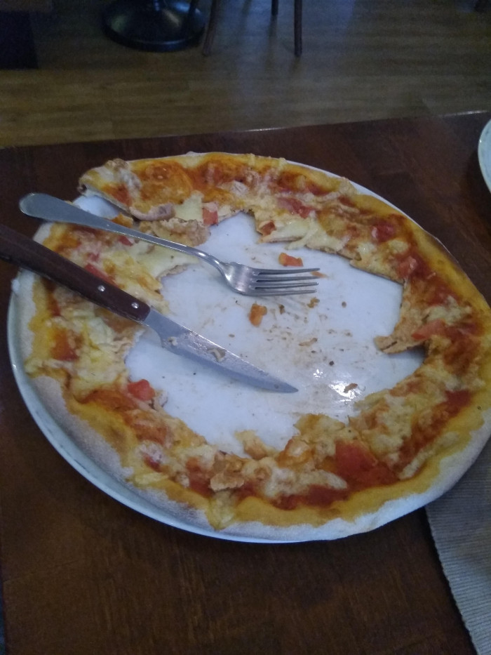 4. Kle2 posted: How my sister eats her pizza...
